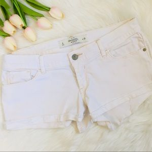 ABERCROMBIE & FITCH White Jean Shorts - Size 6